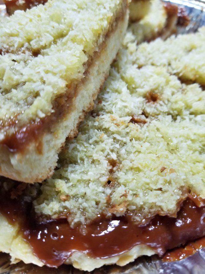 Tartas de coco con dulce de leche casero